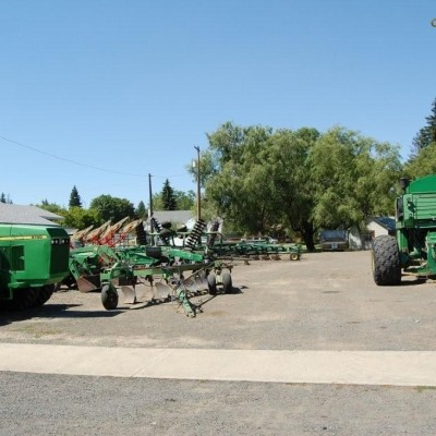 Farming equipment in Nezperce